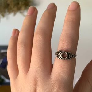 Jewelry - Size 6 • Moon Goddess ring